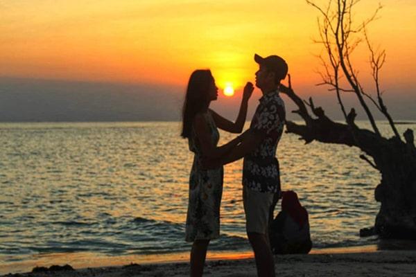 sunset pulau seribu